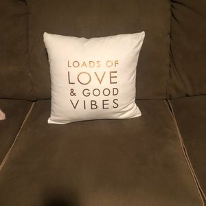 Pillow cover and pillow